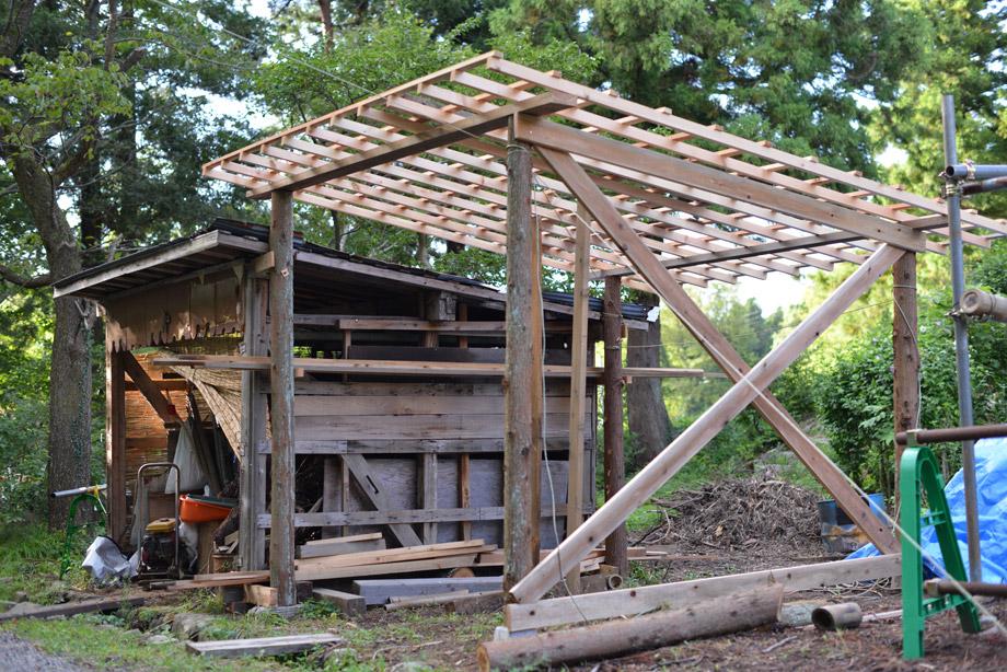 ee3bbc3fc306d4bcc6801a1bab17f2ac 薪小屋がどんどん形になってきました 五頭山麓いこいの森