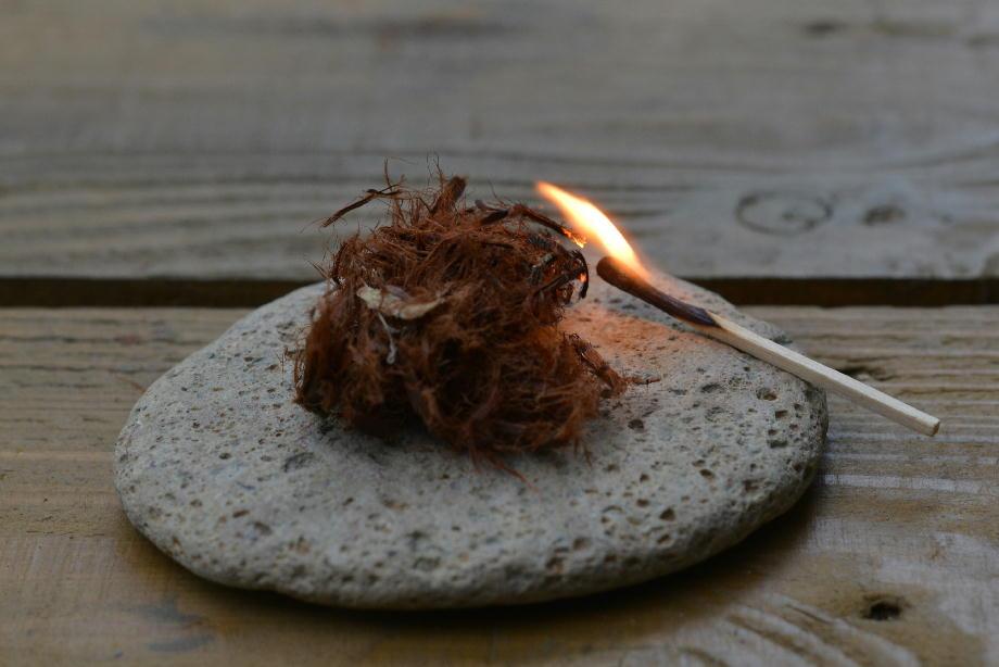 b3487cbca817e8c32fc3141cec3db4dc これでばっちり!一発で絶対に焚き火に火を付けられる方法 五頭山麓いこいの森