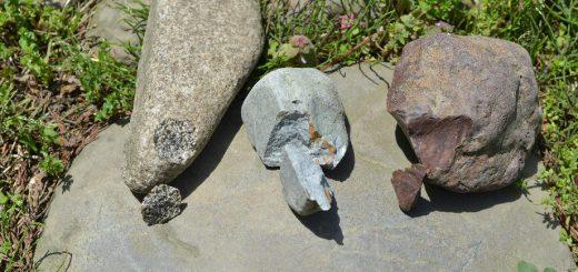 打製石器づくりで石の比較