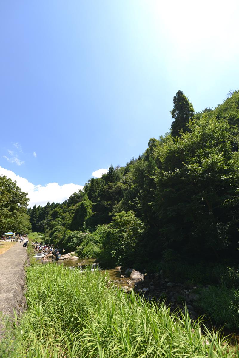ikoi20180812-01 お盆に家族連れで賑わっています 五頭山麓いこいの森